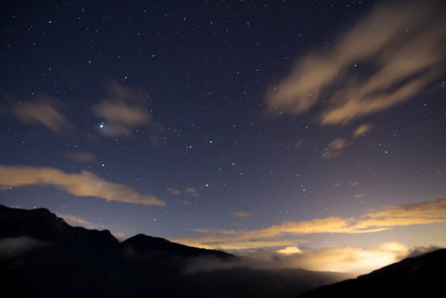 Stars can't shine without darkness: Finding your way through redundancy
